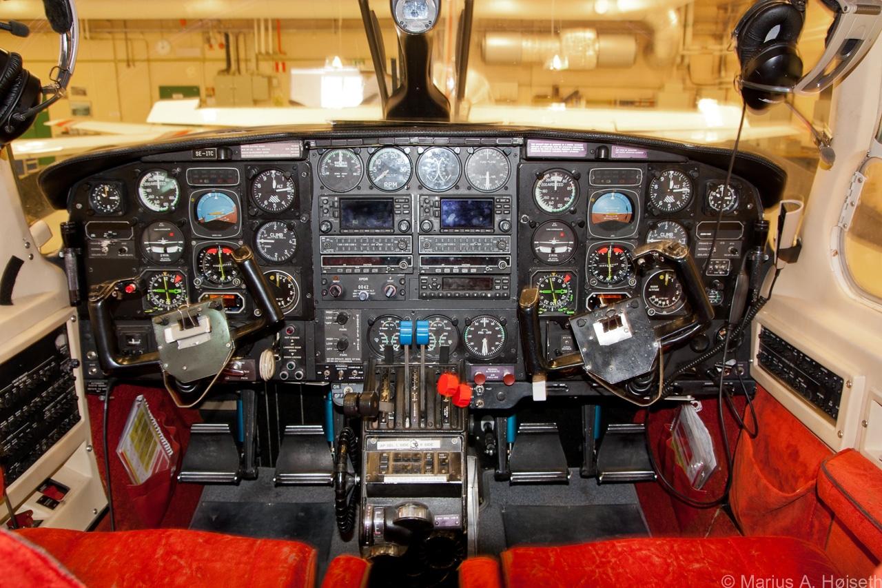 Navajo-cockpit
