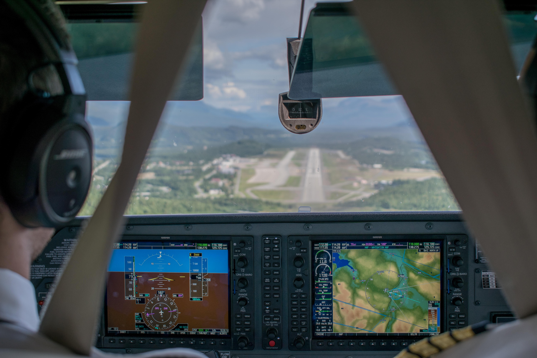 Approach - RWY10